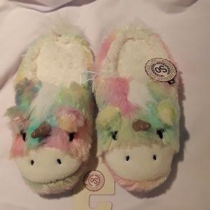 🎁NWT Unicorn🦄 Rainbow🌈 slippers